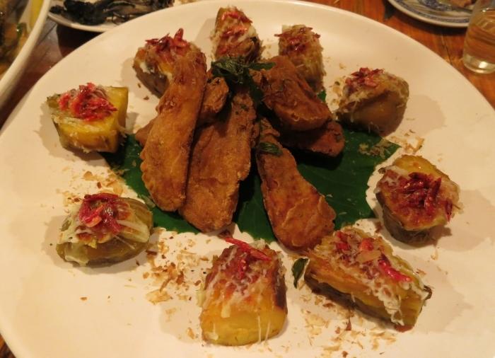 樱花虾焗烤地瓜与甘梅番薯:这是我心目中第一的地瓜料理。樱花虾和番薯看似突兀其实味道非常搭,另一款则外酥内软,口感上大获全胜!