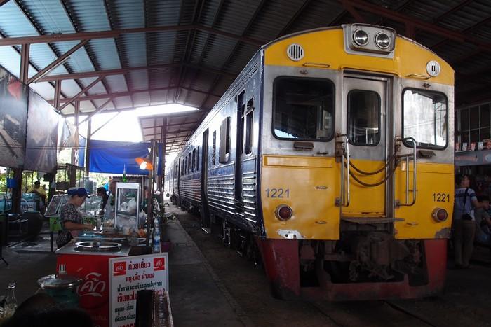 主角的终点站,能在此目睹这火车的风采。