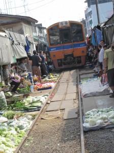 美功铁道市场 2