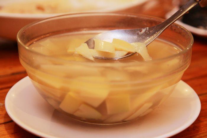 麻竹笋鸡汤
