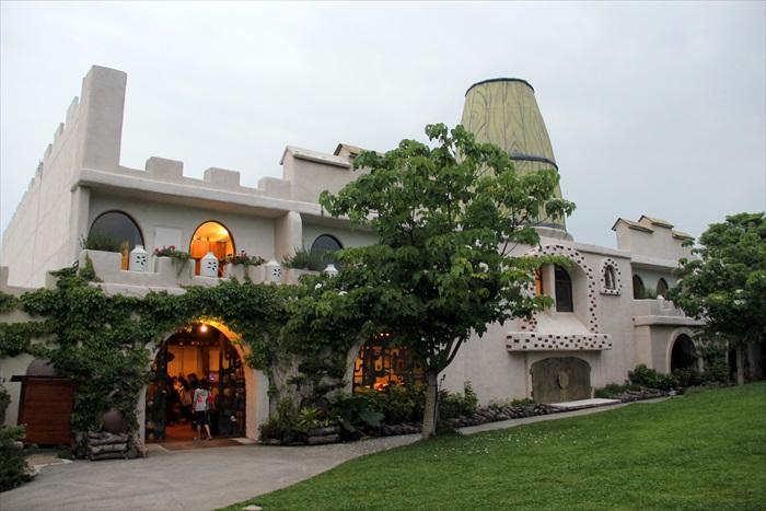 花露休闲农场的精油城堡民宿区,供到访的观光者留宿。