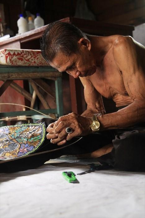 Pak Shafie感叹制造风筝是夕阳行业,无人问津。