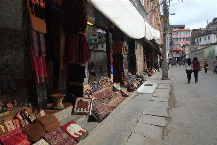 传统的手工艺品受游客欢迎