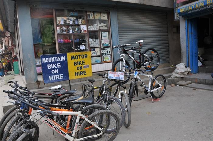 租借脚踏车游玩泰米尔区也不错