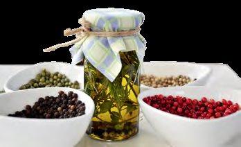 薰之园里有提供很多不同的DIY, 像我们就尝试了以各种香草自制香草油的香草油DIY。