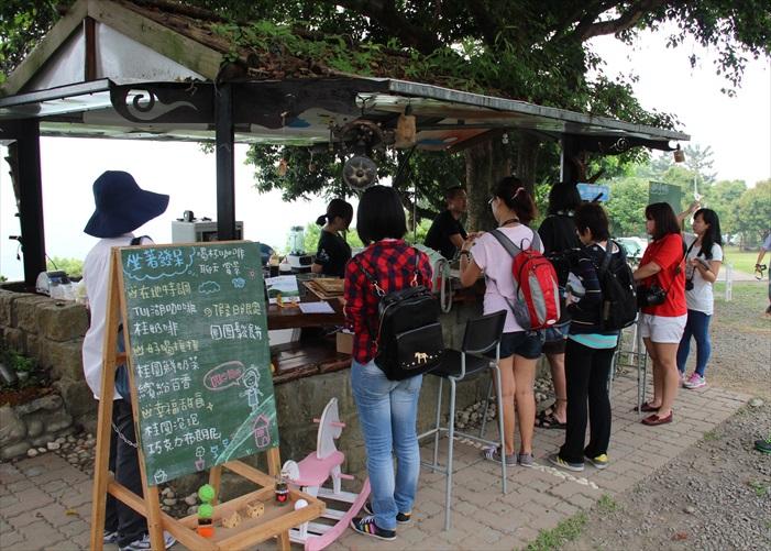 咖啡吧是为观光客提供在农场自行栽种出的咖啡饮料产品。