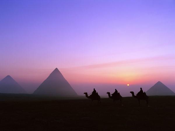 mystic-journey-pyramids-giza-egypt-1-1600x1200