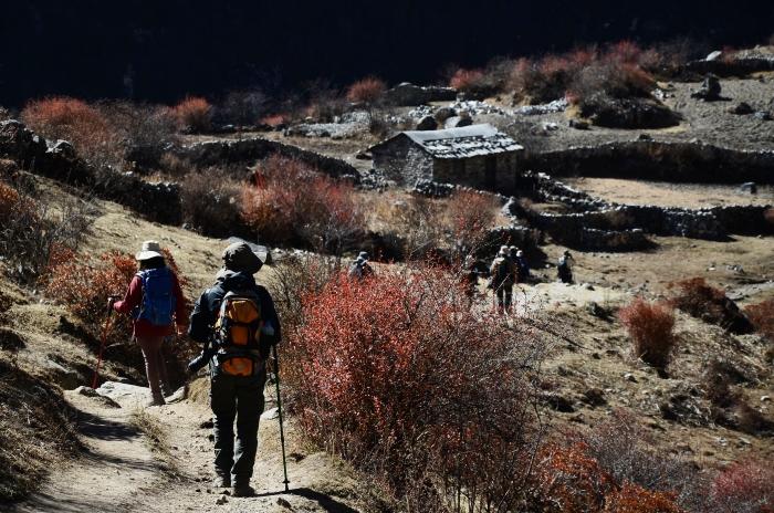 两天下坡路,让我们回首来时路的坡陡风寒辛酸,不得不再次感叹山的那股力量,还有我们的那股毅力和能耐。