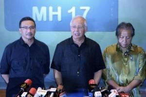 首相纳吉今早发表MH17文告。(马新社)