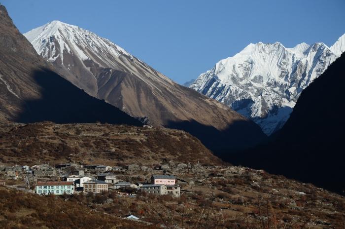 蓝塘村是一个规模不小的村庄,而且设施齐全。