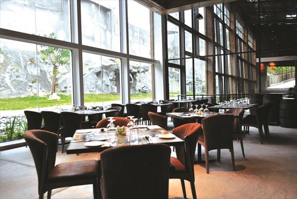Simba Restaurant。