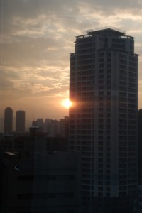 与你同分享半颗釜山日落...