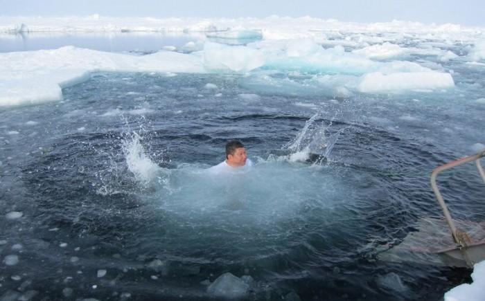 Yes,李桑做到了,跳进北极点大冰洋海里!