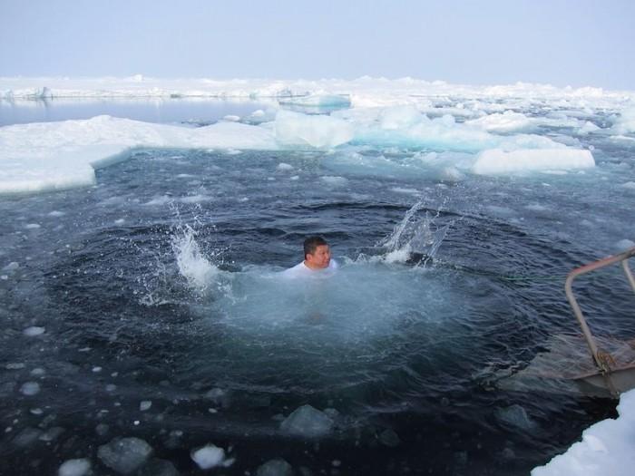 李桑参与了90°N跳冰海大行动的壮举(五)