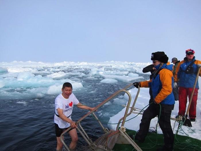 李桑参与了90°N跳冰海大行动的壮举(七)