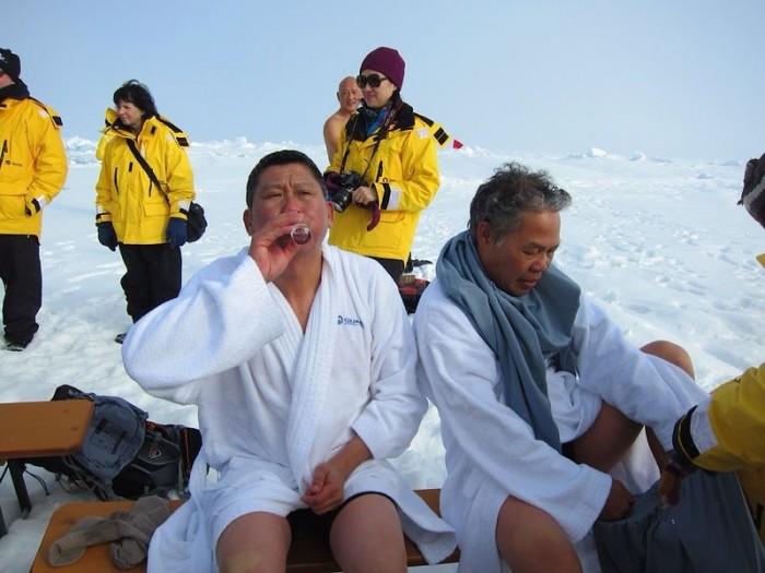 李桑参与了90°N跳冰海大行动的壮举(九)