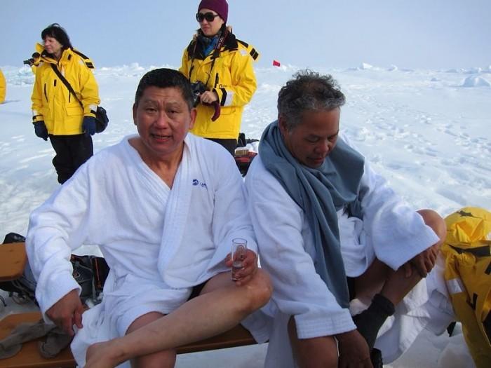 李桑参与了90°N跳冰海大行动的壮举(十)