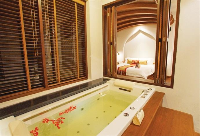 按摩浴缸是你开始彻底放松的起点。