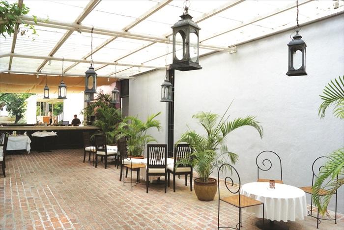 游客可以在这里品尝正宗的英式下午茶哦!(一)