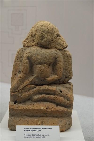 于吉打布秧谷发现的石头像与佛像 。