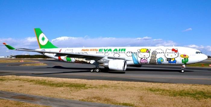 长荣Hello Kitty彩绘航班   开通新加坡-台北航线