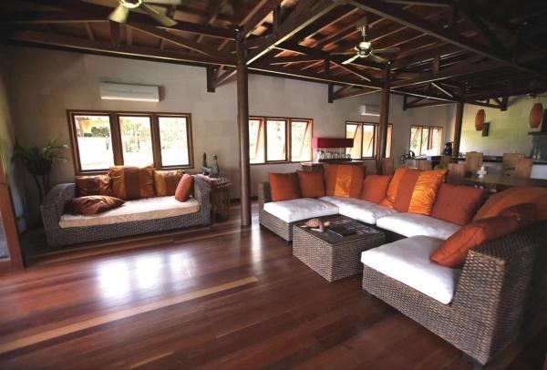 Hibiscus Villa on the north coast of Sabah (2)