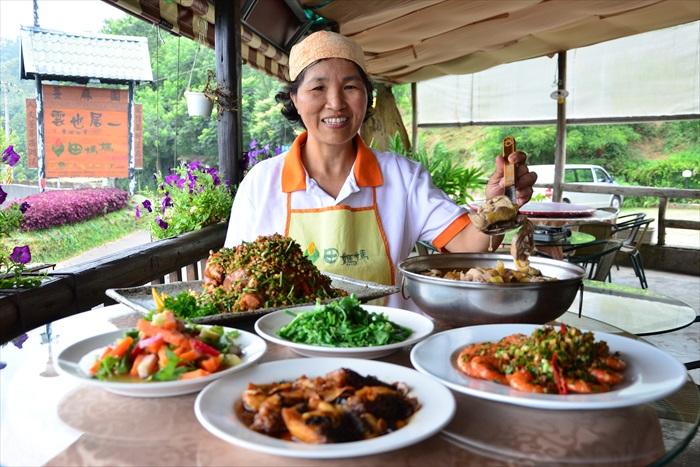 台湾《田妈妈》让你一尝农家菜。