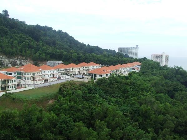 Modern condo inPenang (2)