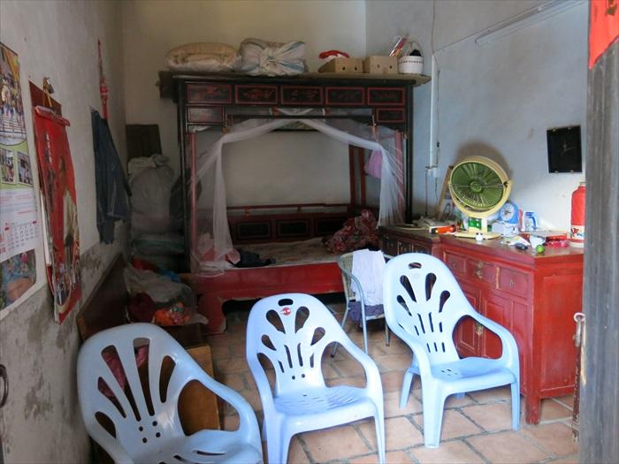 土楼内的房间,朴质但人文气息浓厚。