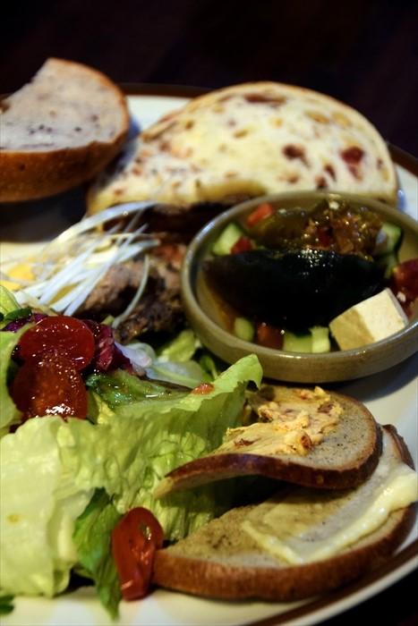 好丘咖啡馆的健康美食,以贝果类为主。