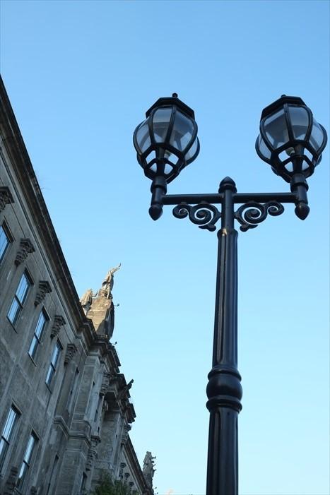 漂亮的欧式建筑是校园的主要建筑