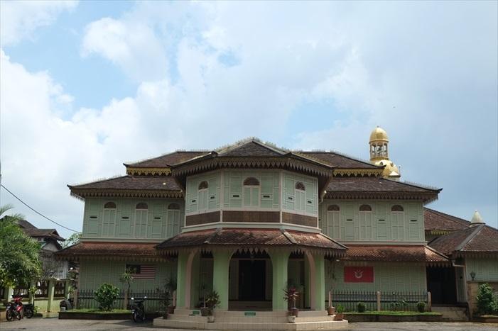 伊斯兰教博物馆像是一栋普通民宅,不知者都不会把它与博物馆联想。