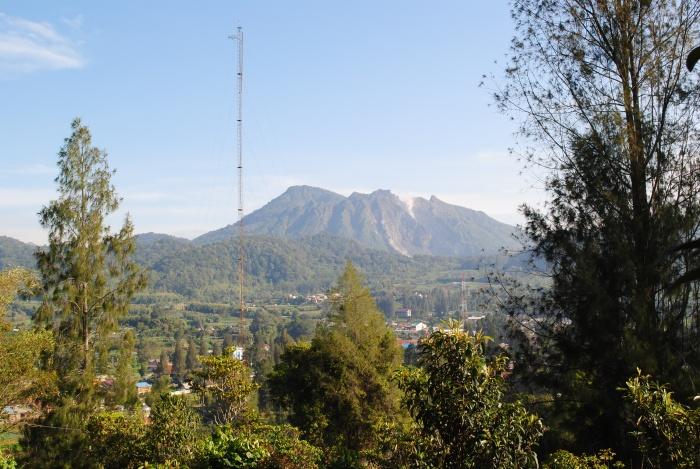 西巴亚克火山