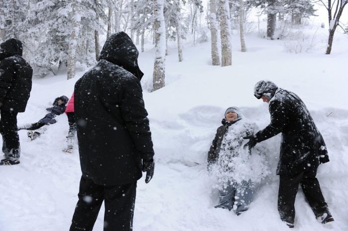 在雪中尽情玩乐吧!