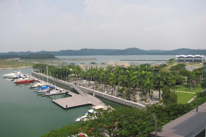 一眼望去的彼岸,就是新加坡边界。
