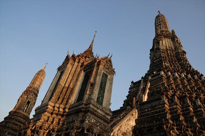 黄昏时分,阳光让黎明寺展现丰富的层次,更添立体感。
