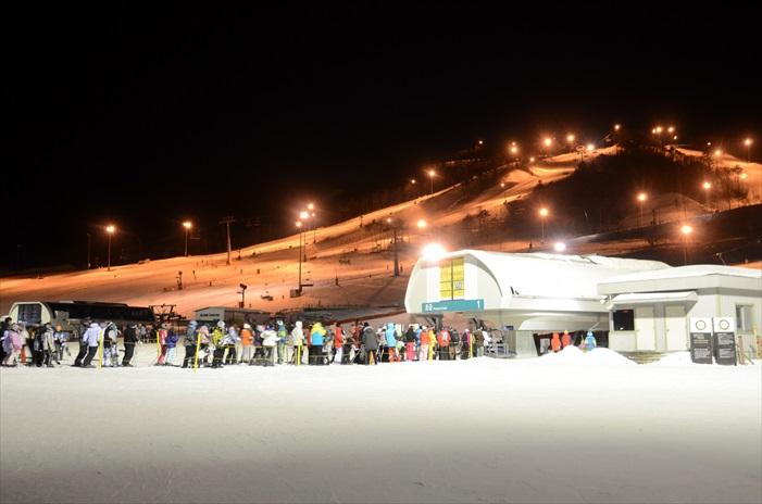 夜间滑雪又是另一番感受,是有点冷,记得做好保暖措施!