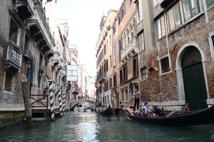 水都威尼斯,和水紧密相连之地。