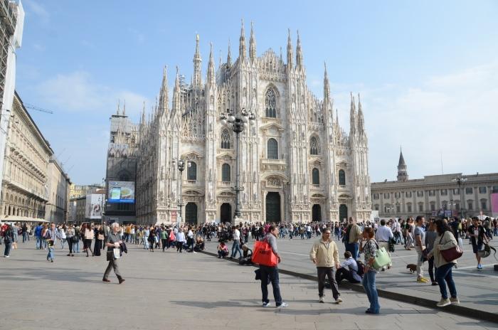 雄伟的米兰大教堂。