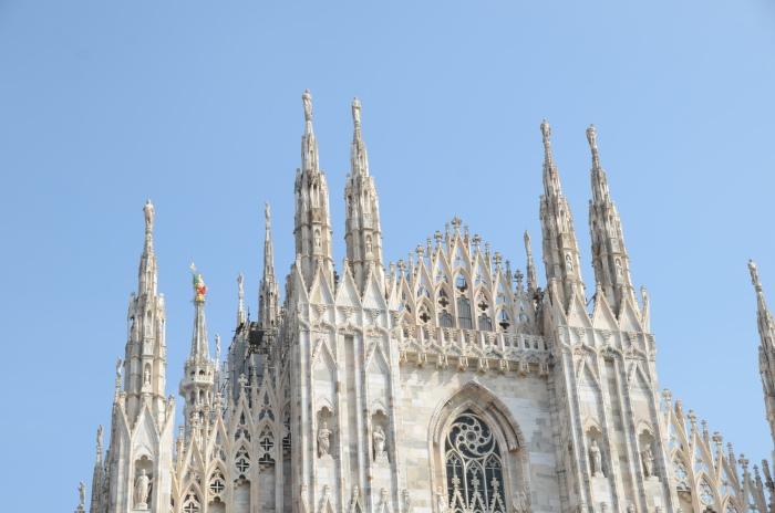 建于1387年的米兰大教堂,历时500多年才完成。