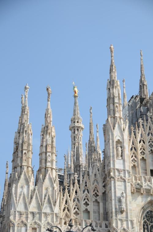 教堂有135个大小不一的尖塔。