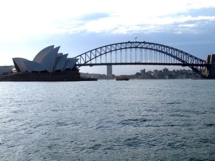 这海港大桥是烟花发射点之一哦!