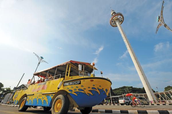 MELAKA DUCK TOUR - MELAKA HISTORICAL CITY (2012)