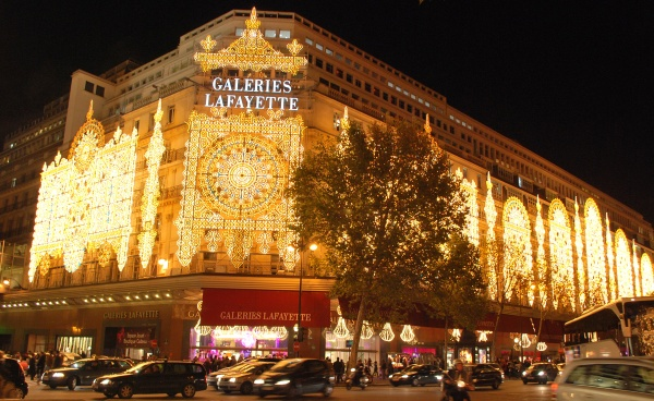 galeries-lafayette-at-christmas 600