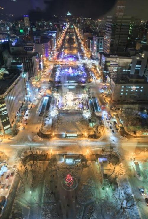 札幌电视塔上一览冬季雪景