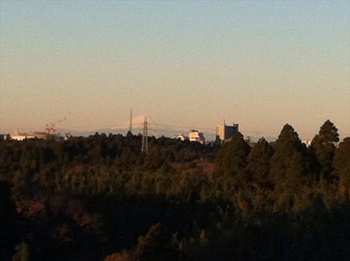 美丽的富士山迎接我们的到来。