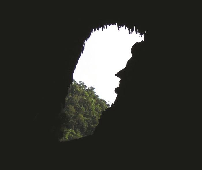 洞口边缘看起来像极美国已故总统林肯侧面剪影。