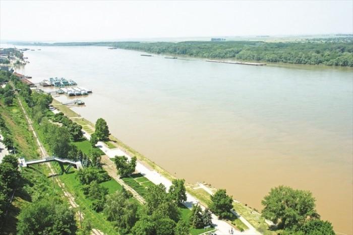 多瑙河贯穿欧洲多个国家,这只是其中径流鲁塞境内一景。