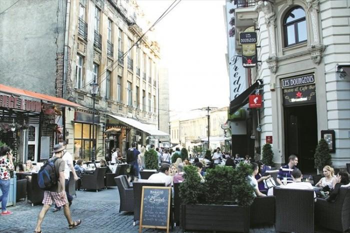 布加勒斯特,悠闲的城市。