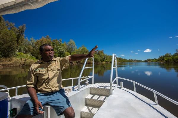 kakadunp-guluyambi-river-cruise-credit-parks-australia